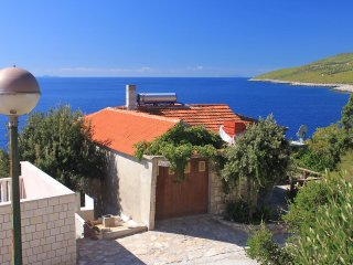 One bedroom apartment Zavalatica (Korcula) (A-9274-b)