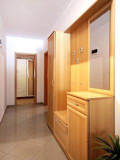 Hallway, Surface: 11 m²