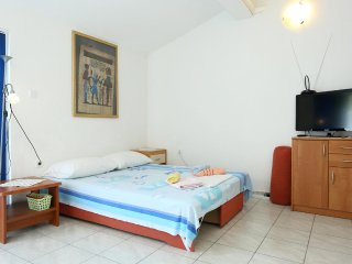 One bedroom apartment Zuljana, Peljesac (A-10218-b)