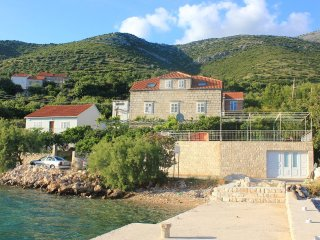 Three bedroom apartment Kuciste (Peljesac) (A-10095-a)