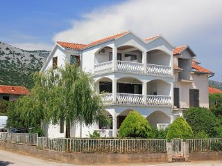 Two bedroom apartment Orebic (Peljesac) (A-10193-a)