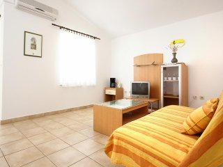 Two bedroom apartment Žaborić, Šibenik (A-10319-b)