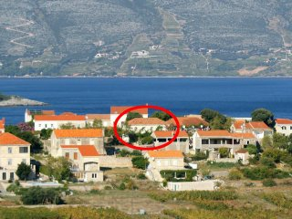 Comfortable and spacious apartment Lumbarda (Korcula) (A-179-a)