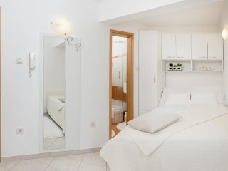 Room Rogoznica (S-10339-a)