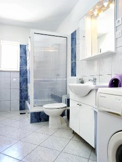 Bathroom 2, Surface: 7 m²