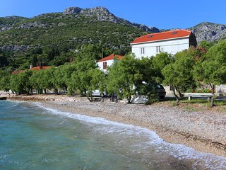 Two bedroom apartment Viganj, Peljesac (A-10140-a)