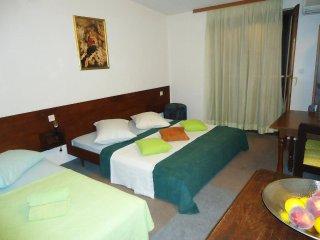 Room Krilo Jesenice, Omis (S-10266-c)