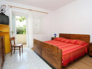 One bedroom apartment Viganj, Peljesac (A-10116-c)