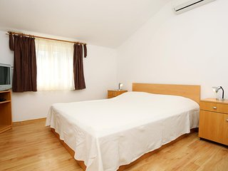 One bedroom apartment Zuljana, Peljesac (A-10228-b)