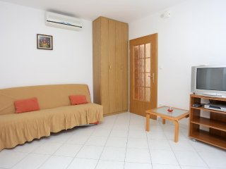 One bedroom apartment Arbanija, Čiovo (A-10347-a)
