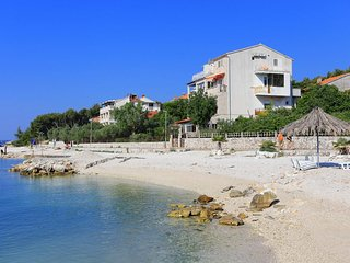 Two bedroom apartment Seget Donji, Trogir (A-10372-a)