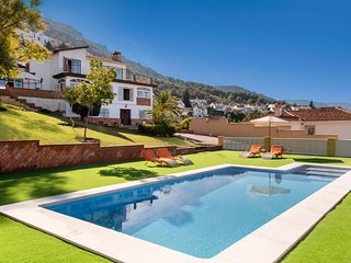 Villa with heated and private pool, near beach and golf! , iiRelax garantizado!!