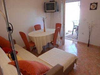 One bedroom apartment Mavarstica, Ciovo (A-11208-c)