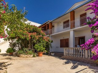 Two bedroom apartment Biograd na Moru, Biograd (A-11327-a)