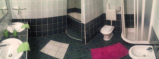 Bathroom 1, Surface: 10 m²