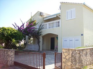 One bedroom apartment Sevid (Trogir) (A-11505-b)