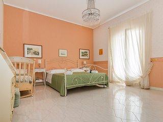 Camera 2 N. 1 Letto Matrimoniale+ N. 1 Letto Singolo