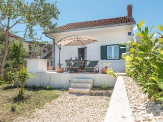 Two bedroom house Vinišće, Trogir (K-11482)