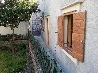 Two bedroom apartment Kastel Stafilic (Kastela) (A-11539-a)
