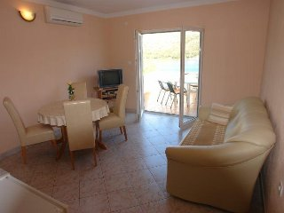 One bedroom apartment Skrivena Luka, Lastovo (A-8280-b)