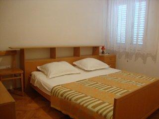 One bedroom apartment Vinišće, Trogir (A-11029-b)