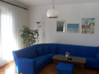 Three bedroom apartment Novi Vinodolski (A-11479-a)