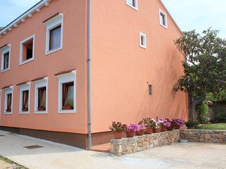 Two bedroom apartment Veli Lošinj, Lošinj (A-11495-a)