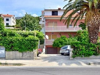 One bedroom apartment Podstrana, Split (A-11627-b)