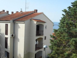 Two bedroom apartment Bol (Brač) (A-11728-a)