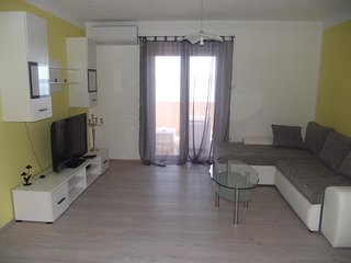 Two bedroom apartment Novi Vinodolski (A-5479-d)