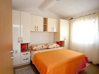 One bedroom apartment Zečevo Rtić, Rogoznica (A-11869-b)