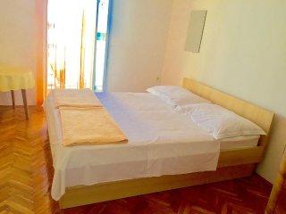 Two bedroom apartment Podgora (Makarska) (A-11888-a)