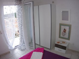 Makarska Apartment Sleeps 4 with Air Con - 5471012