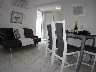 Two bedroom apartment Makarska (A-12063-c)