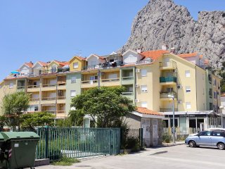 Two bedroom apartment Omis (A-12079-a)