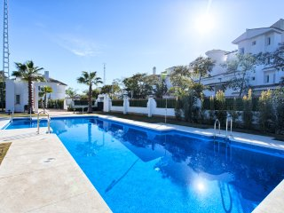 Contemporary 2 Bedroom Apartment in Puerto Banus