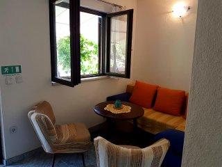 One bedroom apartment Prapatna, Hvar (A-12207-b)