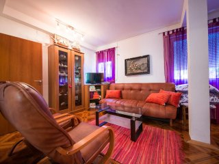 Two bedroom apartment Komiza, Vis (A-12325-c)