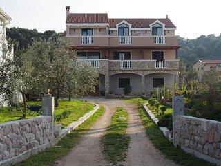 Two bedroom apartment Tkon, Pašman (A-12394-b)