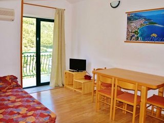 Two bedroom apartment Drvenik Donja vala, Makarska (A-12297-c)