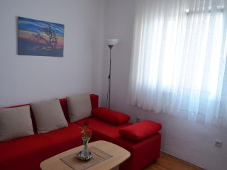 Two bedroom apartment Pirovac (Sibenik) (A-12508-a)