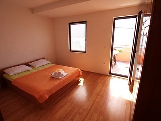 Two bedroom apartment Pisak, Omis (A-12545-b)