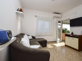 Two bedroom apartment Rtina - Stošići, Zadar (A-12581-b)