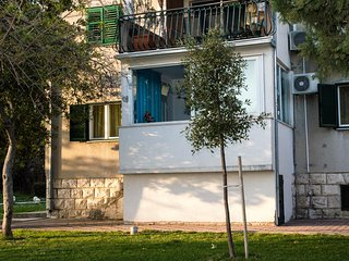 Three bedroom apartment Kastel Gomilica, Kastela (A-12709-a)