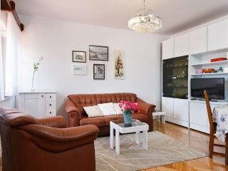 One bedroom apartment Drniš, Zagora (A-12769-b)