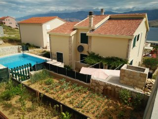 Stari Okic Apartment Sleeps 2 with Pool Air Con and WiFi - 5471479