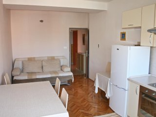 Two bedroom apartment Bilo, Primošten (A-12868-b)