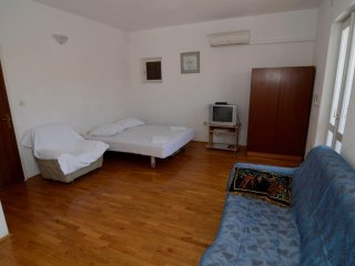 Studio flat Makarska (AS-12211-c)