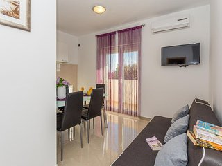 One bedroom apartment Stanici, Omis (A-12929-d)