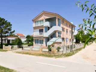One bedroom apartment Vrsi - Mulo (Zadar) (A-13067-a)